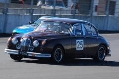Car 25 Rex Bentham - Jaguar Mk 2